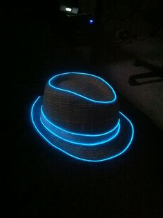 """Light up your shoes (or anything else for that matter) with this 9ft Blue Neon Glowing Strobing Electroluminescent Wire. Can be cut and spliced and enables braiding or looping. Water resistant and weather durable.   Details:  -Battery Pack Controller - Off/On Mode  -Great for Parties, Raves, Costumes & Decorations  -Requires 3 """"AAA"""" Batteries (not included)"""