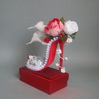 Peacock Centerpieces, Unique Wedding Centerpieces, Crepe Paper Crafts, Scrapbook Paper Crafts, Valentines Flowers, Valentine Gifts, Shoe Crafts, Diy And Crafts, Diy Party Decorations