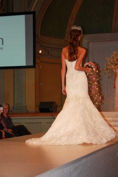 Bilder fra brudeshow 9.februar ~ Bryllupstid Mermaid Wedding, Wedding Dresses, Fashion, February, Pictures, Bride Dresses, Moda, Bridal Gowns, Fashion Styles