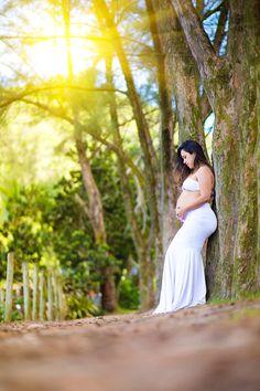 Pin by Andre Luiz Fotografia on Ensaio Gestante Cinthia Grumari Family Maternity Photos, Maternity Poses, Maternity Pictures, Pregnancy Photos, Maternity Photography Outdoors, Future Mom, Baby Album, Parenting, Baby Bumps