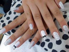Nail Art - Nagel Design , Nail Trends , nail art galleries - Black and white Nail art visit here for more nail art inspo Black Dot Nails, Black And White Nail Art, White Nails, Black White, Dot Nail Art, Acrylic Nail Art, Simple Nail Designs, Nail Art Designs, Nail Art Galleries