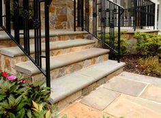 checking out stone veneer for risers Front Door Steps, Front Walkway, Front Courtyard, Front Entry, Masonry Work, Stone Veneer, Flagstone, Curb Appeal, Outdoor Spaces