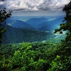 Pine Mountain in eastern Kentucky. Oh The Places You'll Go, Places To Visit, My Old Kentucky Home, Harlan Kentucky, Pine Mountain, Appalachian Mountains, Local Attractions, Beautiful Places, Beautiful Scenery