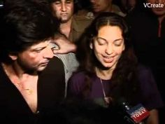 Shahrukh Khan & Juhi returns tired but happy after celebrating with Mamta Didi.