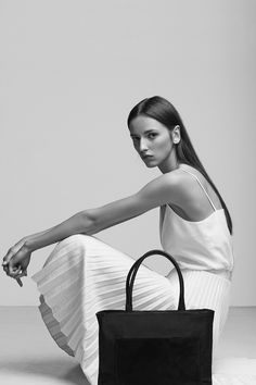 Chic Style - white top, pleated skirt & classic leather bag // Zofia Chylak