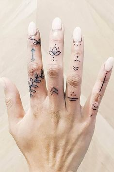24 Top Amazing Ideas For Finger Tattoos Finger Tattoo Finger Tattoo Designs, Hand And Finger Tattoos, Simple Hand Tattoos, Finger Tattoo For Women, Hand Tattoos For Women, Subtle Tattoos, Henna Tattoo Designs, Finger Tats, Tattoo Finger