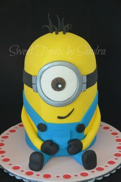 Minion Cake Doing this for Davids birthday Kids Cakes