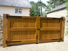 Contemporary driveway gates | Oak Gate Joinery Ltd Gate Images, Door Images, Drive Gates, Gate Automation, Fence Gate Design, Gate Post, Wooden Gates, Driveway Gate, Joinery