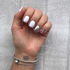 Nail art Christmas - the festive spirit on the nails. Over 70 creative ideas and tutorials - My Nails Shellac Nails, Diy Nails, Acrylic Nails, White Nail Designs, Nail Art Designs, Star Nails, Nail Swag, Stylish Nails, Nail Polish Colors