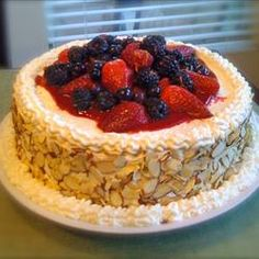whole foods berry chantilly cake ingredients/recipe? | Berry, Cake ...