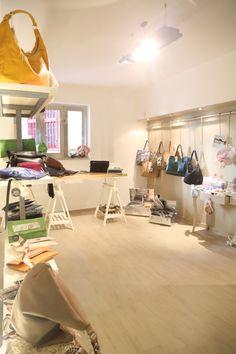 spazio interno di esposizione prodotti
