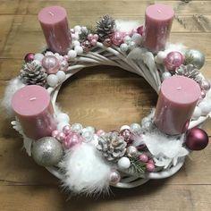 Christmas Rose, Christmas Wreaths, Christmas Crafts, Christmas Decorations, Xmas, Christmas Ornaments, Holiday Decor, Advent Wreath, Ornament Wreath