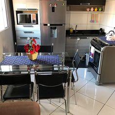 Small Room Decor, Cute Room Decor, Small Room Bedroom, Home Room Design, House Design, Small Kitchen Inspiration, Small Dream Homes, Kitchen Decor, Kitchen Design