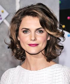 View yourself with Keri Russell hairstyles and hair colors. View styling steps and see which Keri Russell hairstyles suit you best. Short Curly Haircuts, Curly Hair Cuts, Curly Hair Styles, Short Wavy, Long Curly, Round Face Curly Hair, Medium Curly Bob, 40 Year Old Hair Styles, Short Ombre
