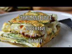 Parmigiana di zucchine e patate: Ricetta più light, semplificata anche dai passaggi fatti in forno si perde il tempo solo durante la cottura. Veggie Recipes, Diet Recipes, Cooking Recipes, Healthy Recipes, Vegetarian Cooking, Vegetarian Recipes, Mozzarella, Susan Recipe, Veggie Delight