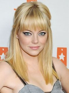 Emma Stone debuted a blonde 'do at the 2010 Tr