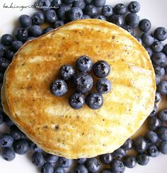 Baking with Blondie : Lemon Poppyseed Pancakes with Fresh Blueberries (I'll be topping these with homemade lemon curd & fresh sliced strawberry & sugar compote) +UPDATE: These were amazing! Lemon Curd recipe I used is pinned as well+ What's For Breakfast, Breakfast Recipes, Breakfast Options, Vegan Breakfast, Brunch Recipes, Appetizer Recipes, Appetizers, Cooking Recipes, Healthy Recipes