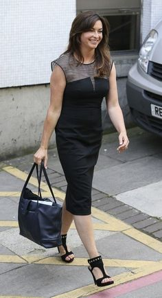 Suzi Perry Photos Photos - Formula One commentator Suzi Perry is pictured leaving the ITV studios following a guest appearance on 'Let's Do Lunch with Gino & Mel'. - Suzi Perry at the ITV Studios