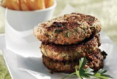 These yummy burgers are not only delicious and low fat but a clever way to get your kids to eat their veggies! Greek Recipes, Diet Recipes, Dessert Recipes, Cooking Recipes, Healthy Recipes, Cooking Ideas, Healthy Food, Greek Menu, The Kitchen Food Network