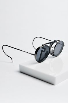 "shades More Fashion Men, Women Fashion, Sunglasses Fashion, Photo Style, Maliara, Thom Browne, Brown Eyewear, Accessories, Brown Sunny maliara: "" Thom Browne "" #sunglasses #fashion Thom Browne Eyewear. Thom Browne sunnies"