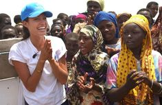 A warm welcome for UNHCR Goodwill Ambassador Angelina Jolie at Kakuma camp in Kenya. (October 2002) ©  UNHCR/M.Furrer