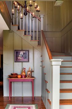 An American Colonial in New Hampshire - Restoration & Design for the Vintage House | Old House Online #shedplans Primitive Homes, Primitive Bedroom, Primitive Antiques, Primitive Country, Country Decor, Rustic Decor, Vintage Decor, Colonial Home Decor, Colonial Decorating