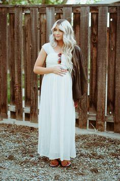 CARA LOREN maternity style