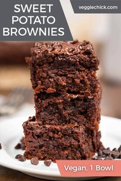 These Sweet Potato Brownies are ultra-rich, fudgy, loaded with the nutritional goodness of sweet potatoes, and easy to make using only 1 bowl. They'll be your new favorite decadent less-guilt dessert! Sweet Potato Brownies Vegan, Vegan Brownie, Brownie Recipes, Chocolate Recipes, Sweet Potato Dessert, Vegan Chocolate, Vegan Dessert Recipes, Healthy Desserts, Easy Desserts