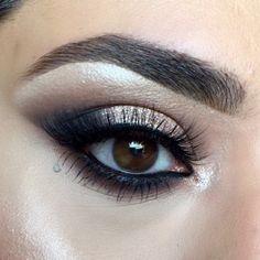 champagne shimmer & black smokey eye. makeup: YumiLashes✨ (@makeupbynoosa)