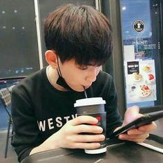their fakestagram daily updates. 300617 in fanfiction caroli… # Fanfiction # amreading # books # wattpad Korean Boys Ulzzang, Cute Korean Boys, Ulzzang Boy, Cute Boys, Chanyeol, Lee Euiwoong, Yoo Seonho, Song Wei Long, Korea Boy