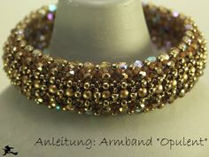 Pattern jewelry: Bracelet Armband Opulent--need an annount (free) Beaded Jewelry Designs, Seed Bead Jewelry, Beaded Necklace, Beaded Bracelets, Bracelet Tutorial, Schmuck Design, Bracelet Patterns, Handcrafted Jewelry, Crystals