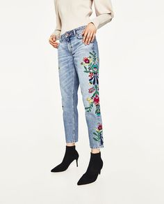 Image 2 of MID-RISE JEANS WITH FLORAL EMBROIDERY from Zara