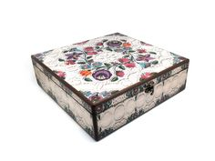30cm x 30cm x 9cm-Beautiful Wooden Hand Made Accessories Box with Decoupage Technic-DBP-30x30-04