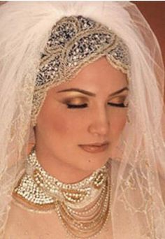 THE BRIDE WEARS HIJAB: bridal hijab styles