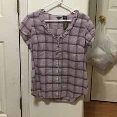 NWT Eddie Bauer Blouse Perfect for a hike in the woods or just a day on the town! Brand new with original tags still attached. No flaws. Please ask for more pictures or info. Eddie Bauer Tops Button Down Shirts