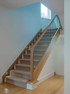 Stair railing and carpet. Glass Stairs Design, Stair Railing Design, Home Stairs Design, Interior Stairs, Glass Stair Railing, Railing Ideas, House Staircase, Staircase Remodel, Staircase Railings