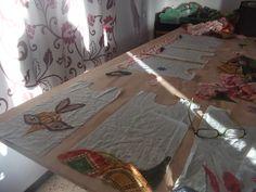 LA MOSCA QUE FA: A PORT EN DIUEN BABERAIS I M´AGRADA.... artesaniatotcat.blogspot.com #EtsTelaArtesaniaTotcat Anem per feina.... Pitets personalitzats, Com us agraden?   Artesania-Totcat: LA MOSCA QUE FA: A PORT EN DIUEN BABERAIS I M´AGRA...