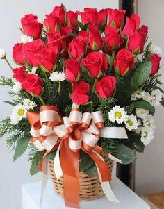 Rose Flower Wallpaper, Flowers Gif, Beautiful Rose Flowers, Love Flowers, Valentine Flower Arrangements, Rose Arrangements, Flower Pictures, Flower Boxes, Rose Bouquet