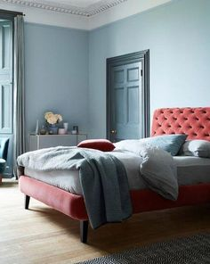 14 Fabulous Rustic Chic Bedroom Design and Decor Ideas to Make Your Space Special - The Trending House Little Greene Farbe, Bone China Dinner Set, Light Blue Rooms, Little Greene Paint Company, 1920s, Blue Gray Bedroom, White Bedroom, Bedroom Wall, Bedroom Decor