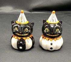 Salt Pepper Shakers, Salt And Pepper, Halloween Kitchen, Black Cats, Vintage Halloween, Vintage Ceramic, Pumpkin, Ceramics, Ebay
