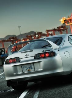 Although the paint job doesn't look all that great on this,  I love the back ends of supras!