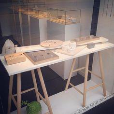 Det'nlarsen #windowdisplay #guldsmed #goldsmith #handcrafted #håndlavet #madeindenmark #copenhagen #storiesdreamsandcreations