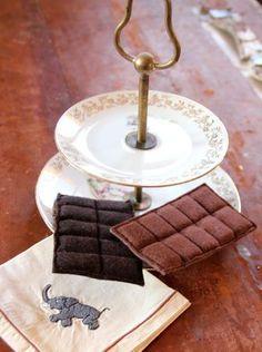chocolat                                                                                                                                                                                 Plus