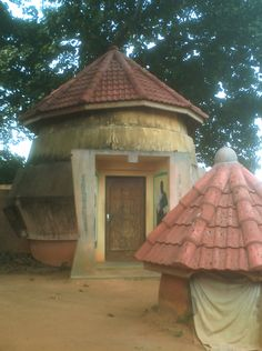 Voodoo Python Temple in Ouidah, Benin West African Countries, African Nations, Vernacular Architecture, Out Of Africa, Like A Local, African Animals, Sierra Leone, Ghana, Old And New