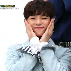 I'm three clips in and my eyes are watering bih- Cute Boys, Cute Babies, Onii San, Kim Woo Jin, Kpop Gifs, Felix Stray Kids, Kids On The Block, Kid Memes, Crazy Kids