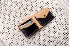 Кошелек Classic из натуральной кожи ручной работы в магазине «DN Crafts» на Ламбада-маркете