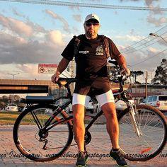 Ouvir MPB e pedalar! Bike na linha verde. @xvcuritiba @cenascuritibanas @curitibanices  @curitibalover by marcosbucco