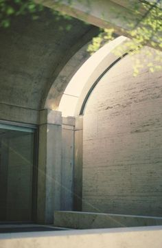 Images of the Kimbell Art Museum, Fort Worth, by Louis Kahn