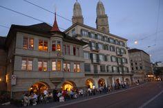 Zunfthaus zur Zimmerleuten am Limmatquai, Zurich Cosy, Switzerland, Most Beautiful, Restaurants, Hotels, Street View, Mansions, House Styles, Nature