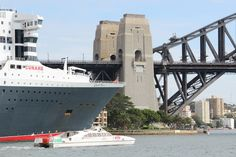 world cruise tips for travellers advice on planning and getting the most from an extended cruise and world voyage Cruise Port, Cruise Ships, Cruise Travel, Cunard Ships, World Cruise, Queen Mary, Tall Ships, Sydney Harbour Bridge, Water Crafts